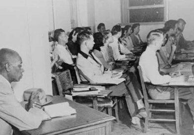 Маклаурин е първият афроамериканец, който се записва в Университета на Оклахома